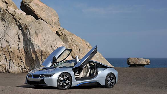 092_BMW_i8