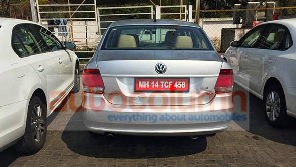 2015 Volkswagen Vento facelift spied (1)