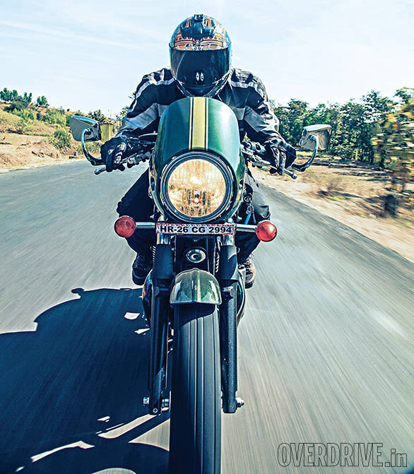Triumph Thruxton vs Hero Splendor Pro Classic vs Royal Enfield Continental GT (5)