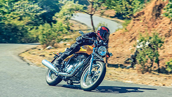 Triumph Thruxton vs Hero Splendor Pro Classic vs Royal Enfield Continental GT (9)