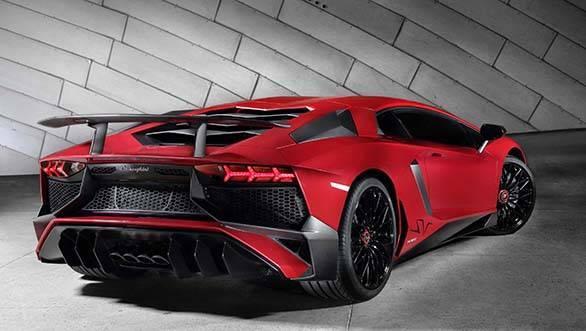 Lamborghini_Aventador_LP_750-4_Superveloce_3-4_Rear