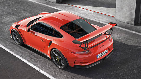 The 911 GT3 RS is powered by a 4.0-litre six-cylinder engine with 500 hp of power and 460 Newton metres of torque