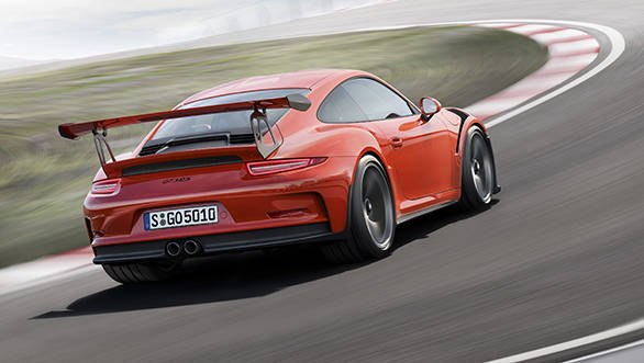 The chassis of the 911 GT3 RS has been tuned for maximum driving dynamics and precision.