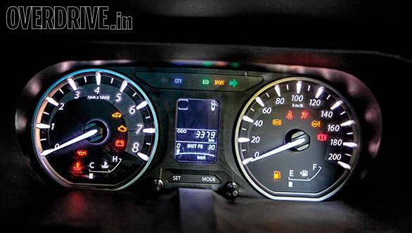 Tata Bolt vs Hyundai Elite i20 vs Fiat Punto Evo vs Volkswagen Polo (15)