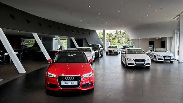 586x331 Audi Madurai Dealership_Interior