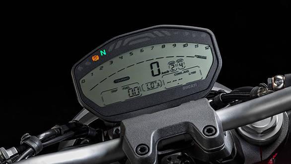 Ducati Monster 821 (26)
