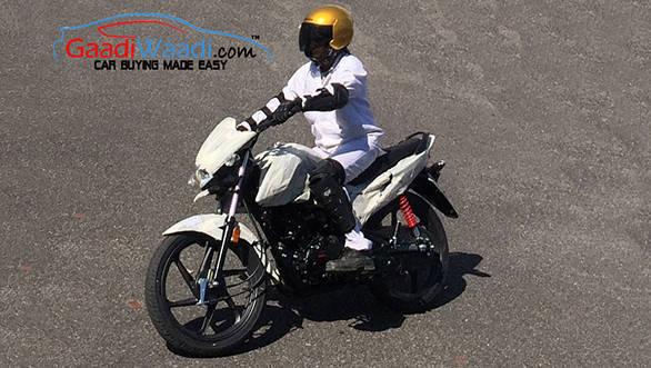 Honda 110cc Dream spied testing 2