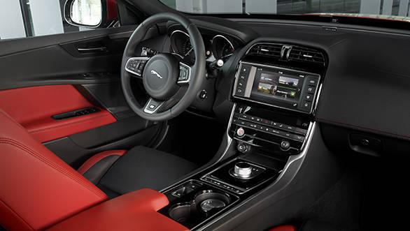 Jaguar XE V6S (12)