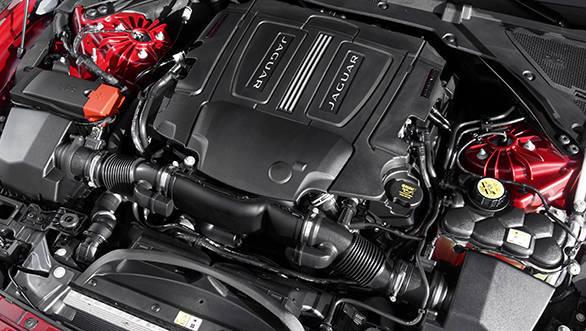 Jaguar XE V6S (9)