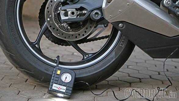Resqtech micro tyre inflator (1)