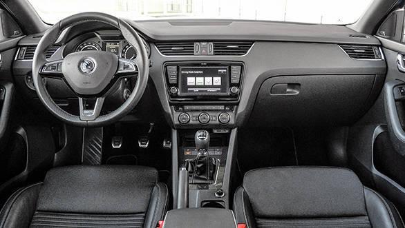 Skoda Octavia RS 2.0TDI (6)