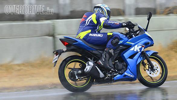 Suzuki Gixxer SF (12)