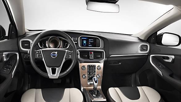 Volvo V40CC - Interior