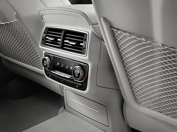 Detail    Verbrauchsangaben Audi Q7:Kraftstoffverbrauch kombiniert in l/100 km: 8,3 - 5,7;CO2-Emission kombiniert in g/km: 193 - 149