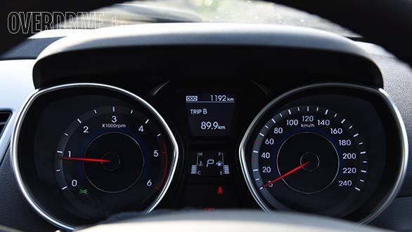 Hyundai Elantra 2015 (12)