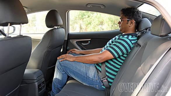 Hyundai Elantra 2015 (13)