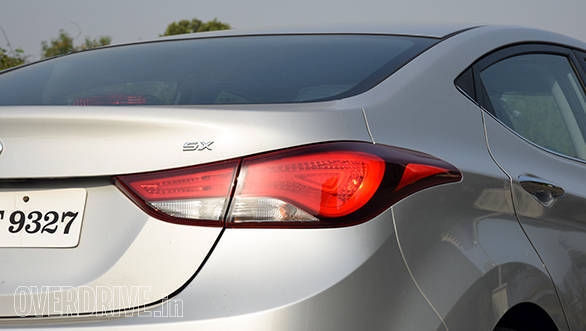 Hyundai Elantra 2015 (6)