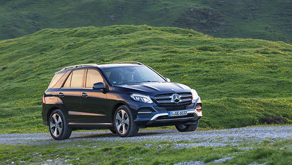 The sides are similar to the M-Class. Plug-in Hybrid variant gets different wheels