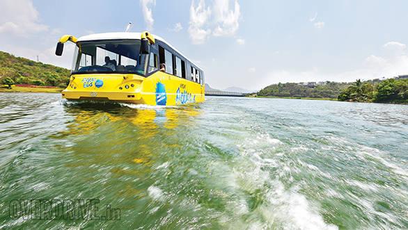Amphicoach GTS-1 Aqua Bus (4)