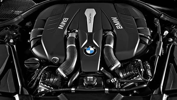 BMW 7 Series 2016 (4)