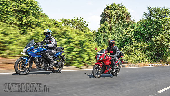 Bajaj Pulsar AS 200 vs Hero Karizma ZMR (4)