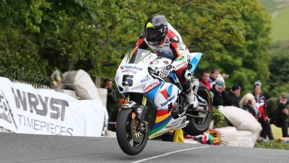 Bruce Anstey jumps Ballaugh Bridge en route his first Superbike TT victory