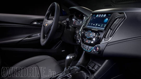 The cabin still has the dual-cockpit theme which now gets soft touch surfaces and has a mix of matt black as well as glossy piano black textures. While in the US, it will be mated to a 6-speed automatic, it is likely to come with a manual gearbox here in India