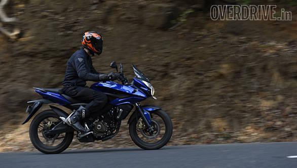 2015 Bajaj Pulsar AS 200 road test review