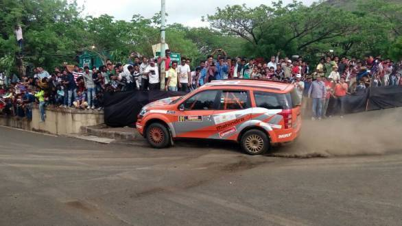 Gill leads the 2015 Rally of Maharashtra after the end of the second day of rallying