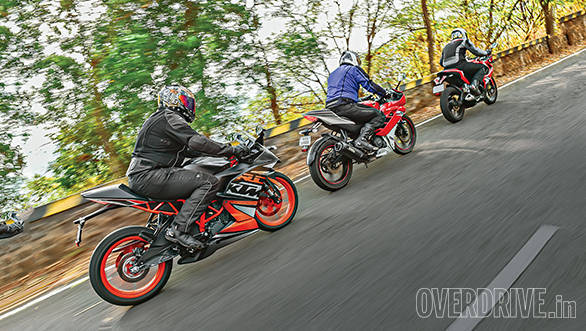 KTM RC200 vs Yamaha R15 vs Bajaj Pulsar RS200 (8)