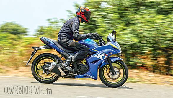 Suzuki Gixxer SF vs Yamaha Fazer Fi (9)