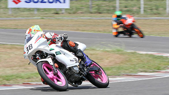 Ananth Raj P (Kingdom Racing India) on way to winning the Group C (165cc) Open class race in the MMSC FMSCI Indian National Motorcycle Racing Championship in Chennai on Sunday.?