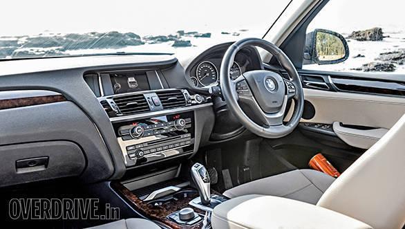 Range Rover evoque vs Audi Q5 vs BMW X3 (11)