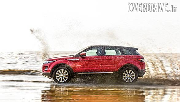 Range Rover evoque vs Audi Q5 vs BMW X3 (3)
