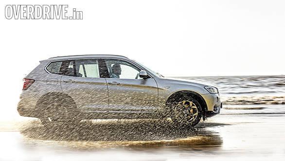 Range Rover evoque vs Audi Q5 vs BMW X3 (5)
