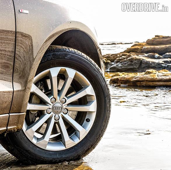 Range Rover evoque vs Audi Q5 vs BMW X3 (8)