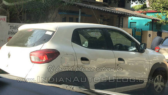 Renault-Kwid-side-Chennai-spied r