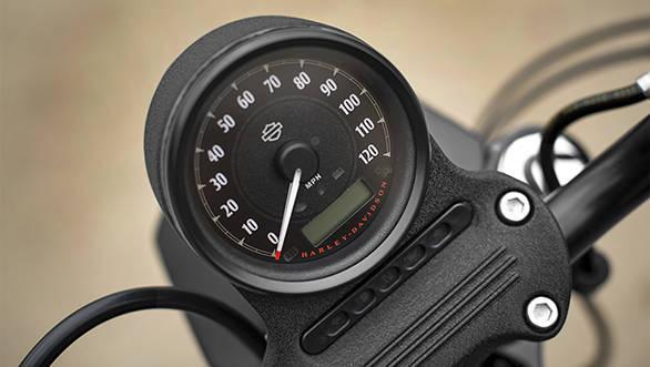 2016 Harley Davidson 883  (15)