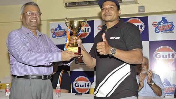 Commissioner of Police Navi Mumbai, Shri Prabhat Ranjan with Winner Shamim Khan (1)