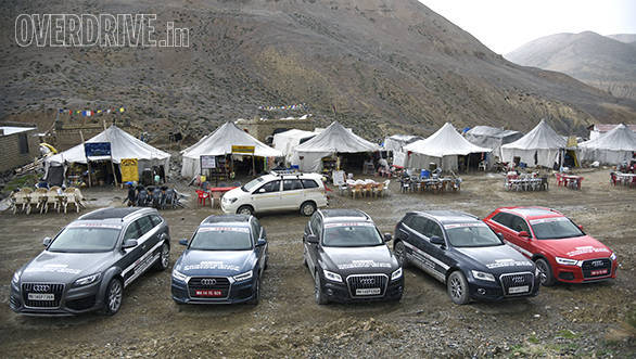 The participants and the Audis take a breather at a dhaba in Sarchu