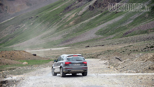The roads after Jispa are challenging as the Audis and the participants start the ascent