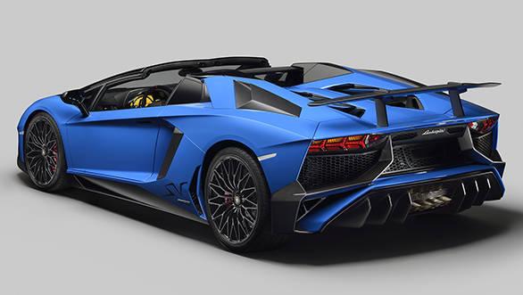 Lamborghini Aventador SV Roadster 3_4rear_open (1)