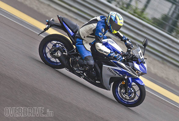 Yamaha YZF-R3 in India (6)