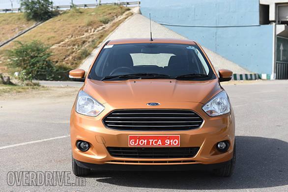 2015 Ford Figo  (2)