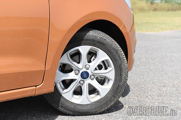 2015 Ford Figo  (5)