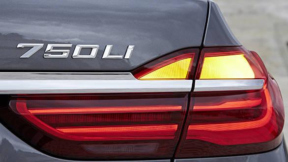 BMW 7-Series  (13)