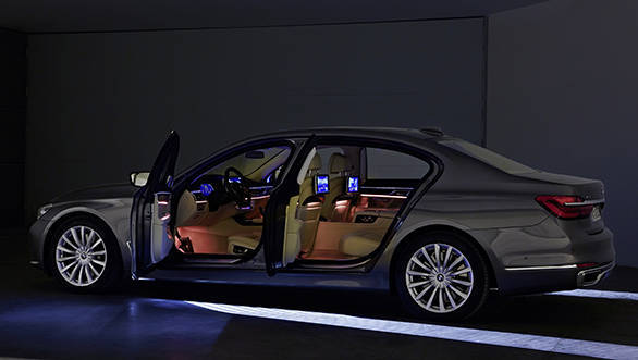 BMW 7-Series  (9)