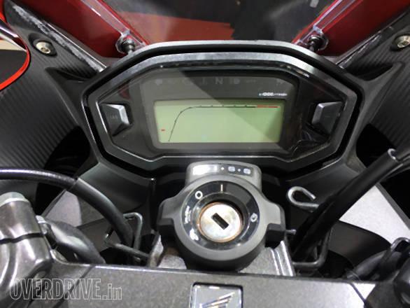 Honda CBR400RR (3)
