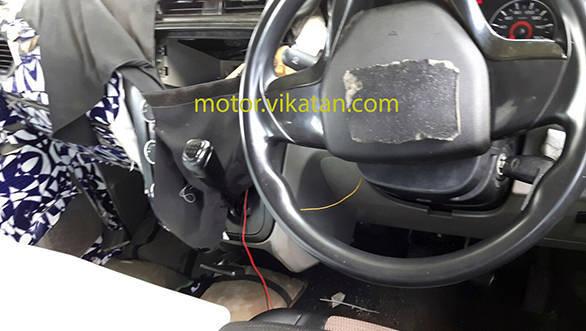 Mahindra-S101-Mahindra-XUV100-interior-spied