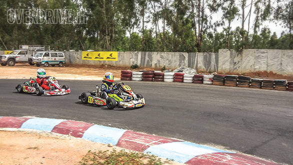 Micro Max Karting feature (3)